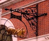 Gresham's gold grasshopper in Lombard Street