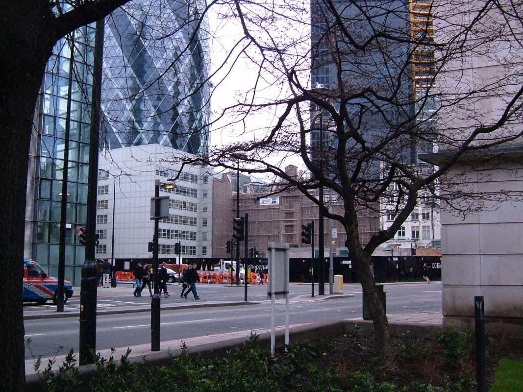 The site of Bishopsgate, on the crossroads of Bishopsgate, Wormwood Street, and Bevis Marks