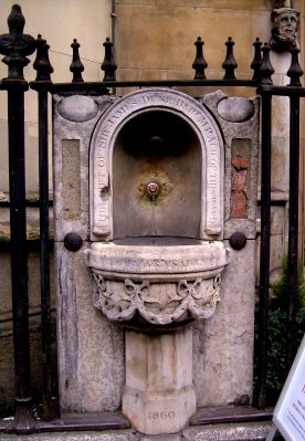St Dunstan's in the West, the drinking fountain just outside the church