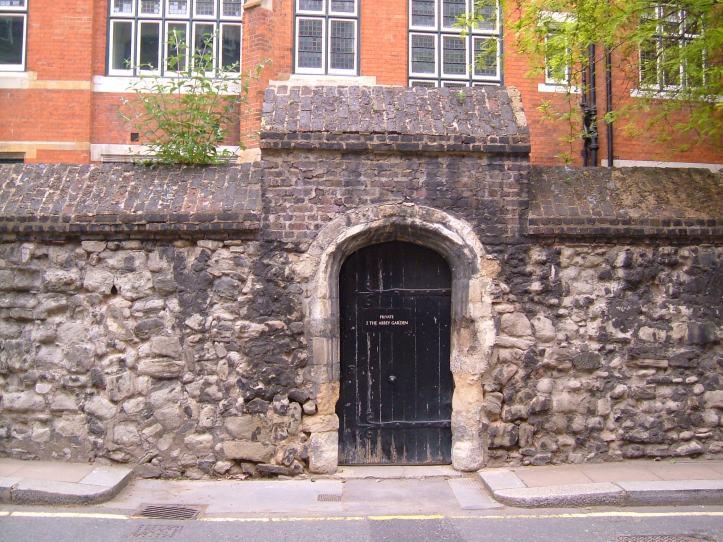 Doorway from College Garden into Great College Street