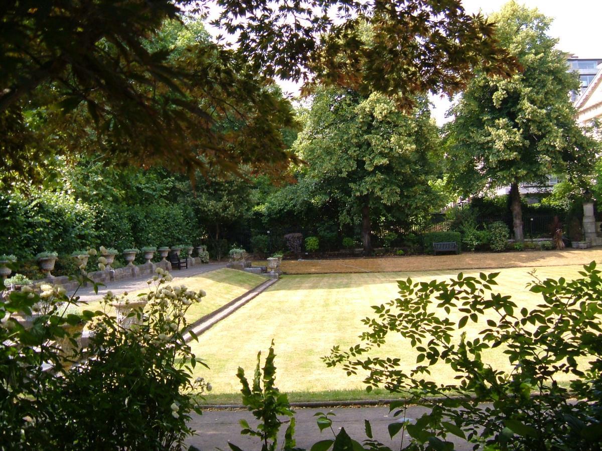 The garden of Bridgewater House