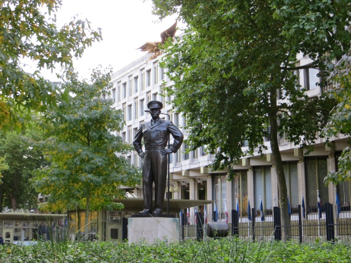 Dwight D Eisenhower outside the American Embassy, Grosvenor Square