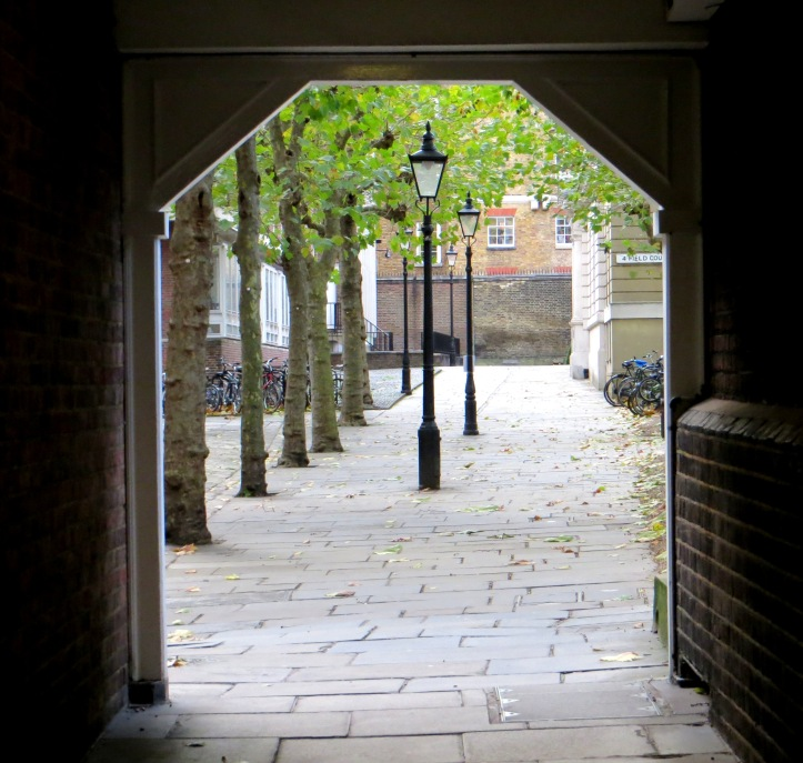 The passageway connecting Gray's Inn Square and Field Court