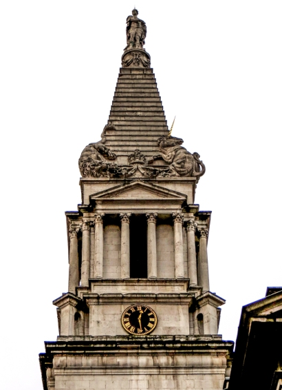 st-georges-church-bloomsbury-lr
