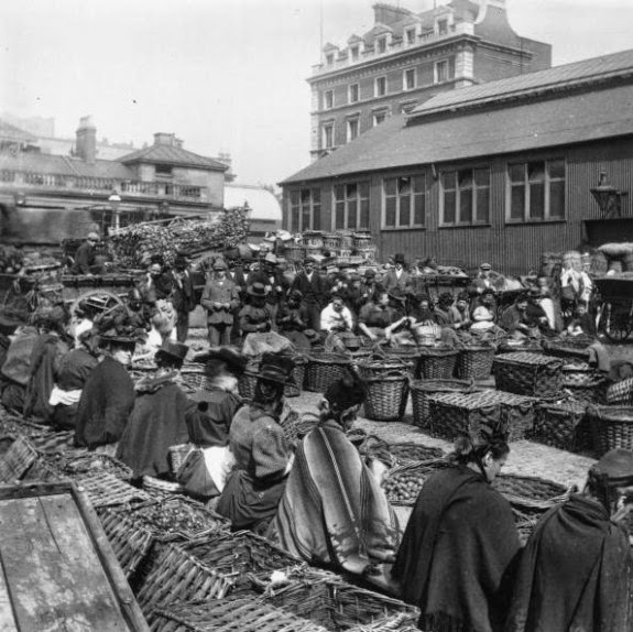 Walnut sellers at Covent Garden, c.1880