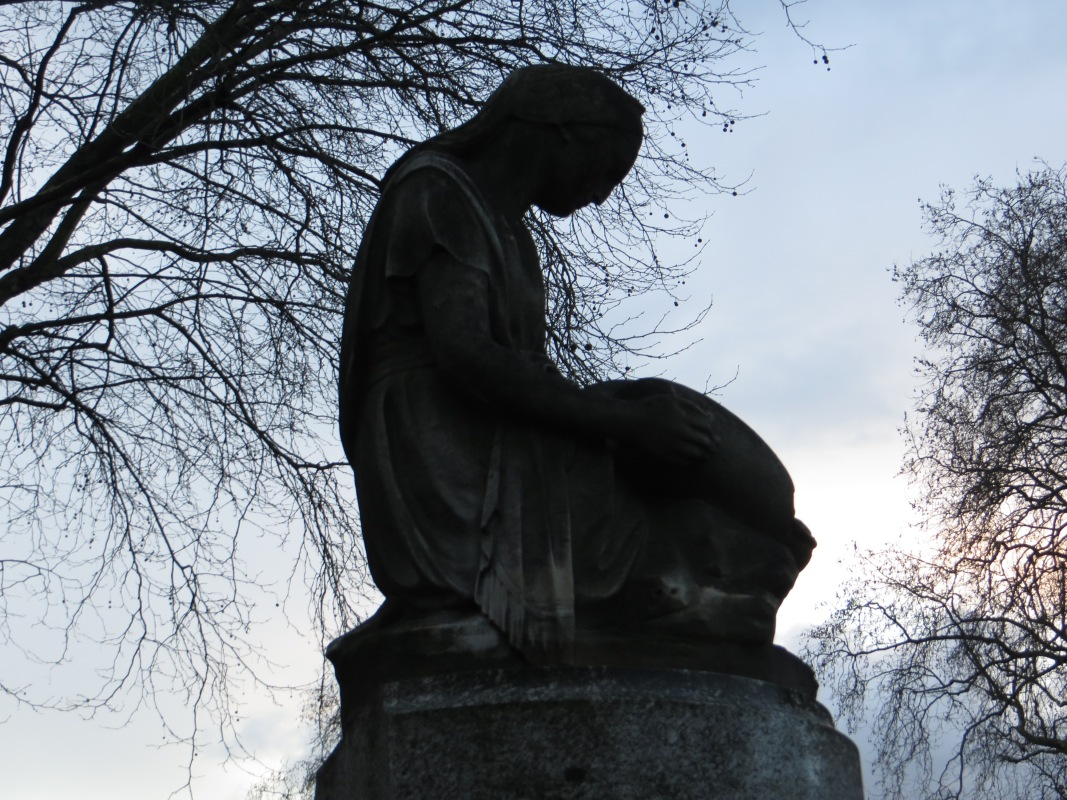 The statue at the head of Guildford Place