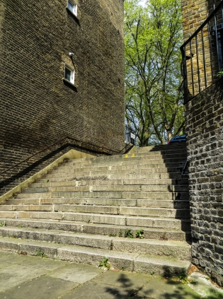 Steps down from Granville Square to King's Cross Road