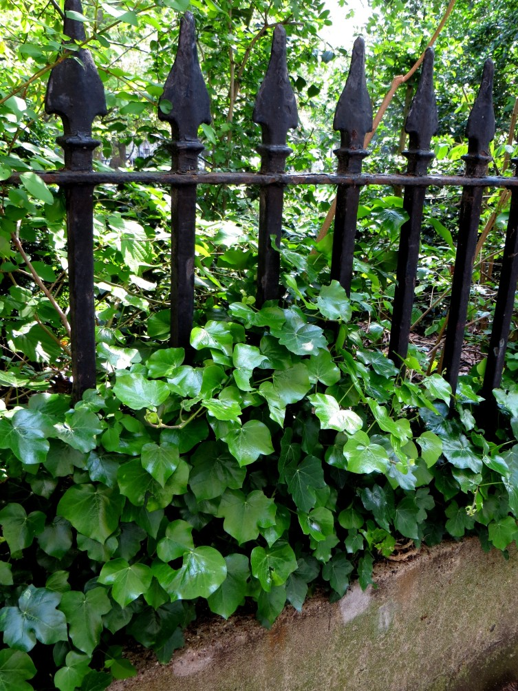Wilmington Square original railings