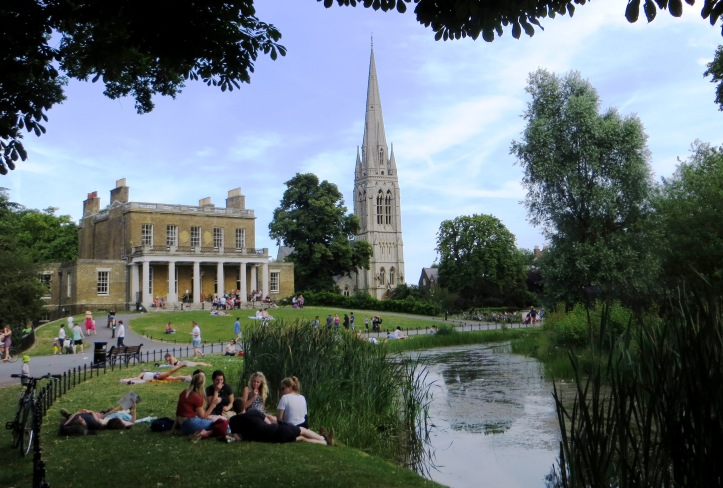 Clissold House with the New River below and St Mary New Church in background