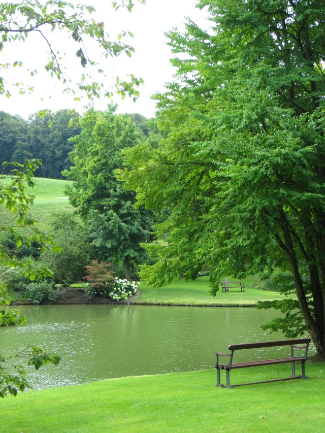 One of the lakes in the Parc Floral