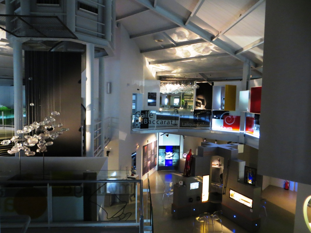 Inside the Halle de Verre, Claret