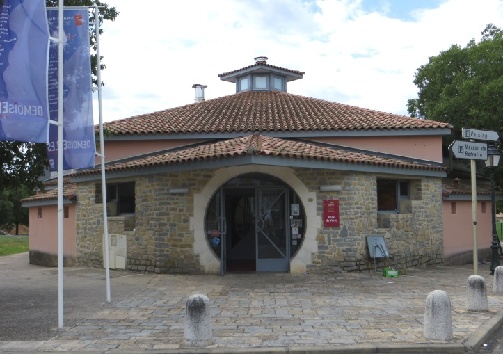 Halle de Verre, Claret