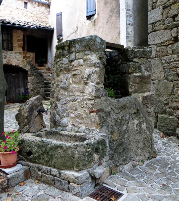 Ste Croix de Caderle