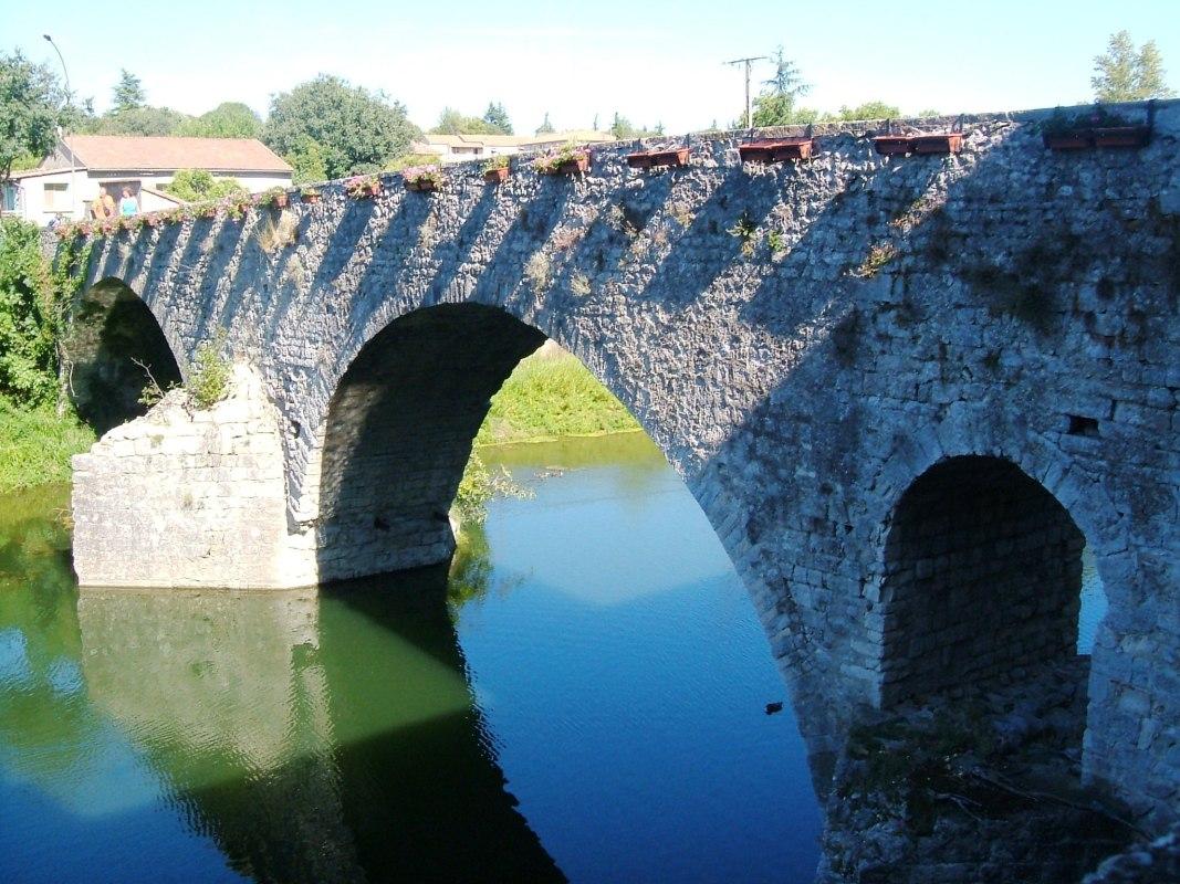 Sauve - le pont vieux
