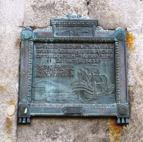 Plaque commemorating the arrival of the Pinto