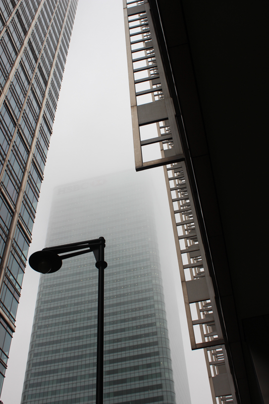 2014-12-5 Canary Wharf in the mist LR-2095
