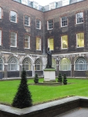 Courtyard alongside the Colonnades, Guy's Hospital