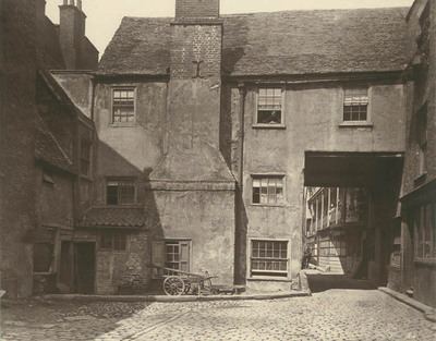 Queen's Head Inn, 1870s (Museum of London)