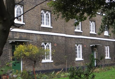 Drapers' Company Almshouses, Glasshill Street