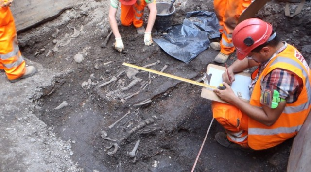 Broadgate ticket hall archaeology July 2014, 155867 (Crossrail)