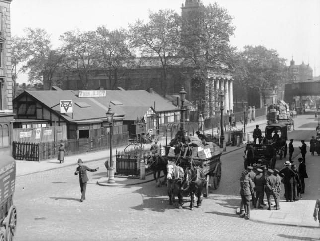 Waterloo YMCA & St John's Church, 1918 (IWM)