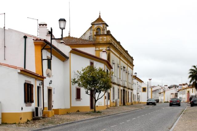 Flor da Rosa main street