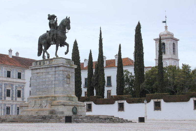 A statue of James, 4th Duke of Braganza, in the square outside the Palace