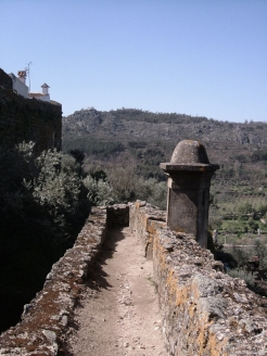 The sentry path along the walls, Castelo de Vide