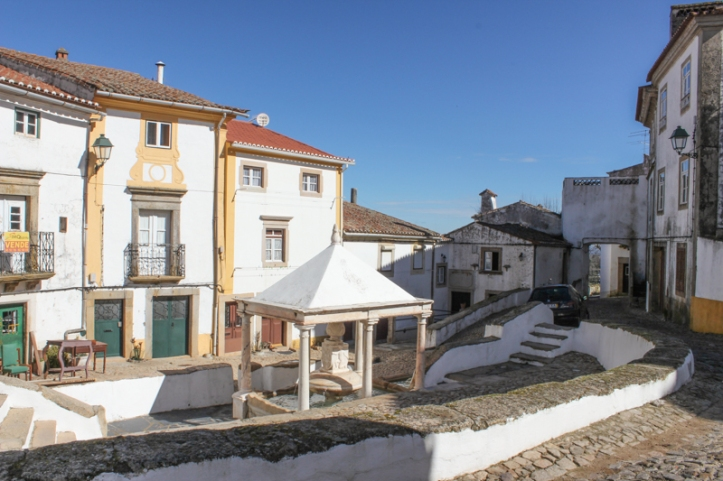 The Town Fountain, Castelo de Vide