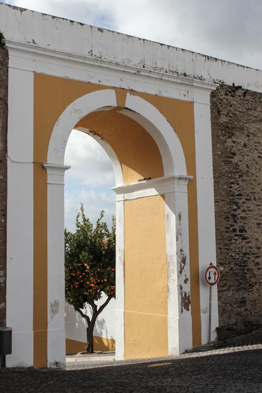The Town Gateway, Avis