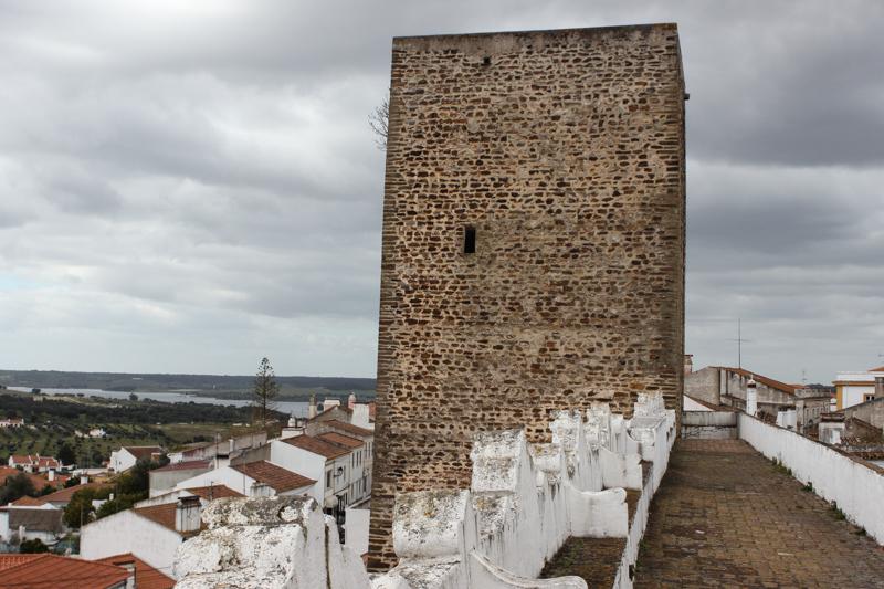 The Rainha Tower, next to the Town Gateway