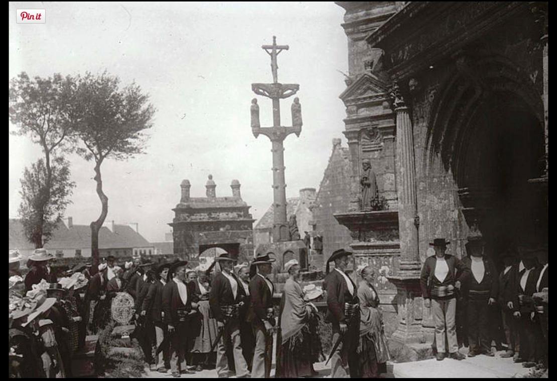 Wedding at Commana Church, 1910 (Wikipedia)