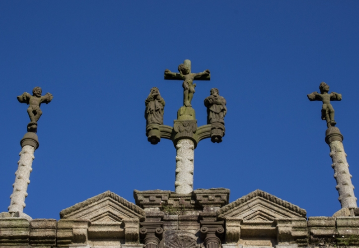 The Calvary on top of the Triumphal Arch, Sizun Church