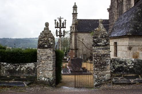 Locmelar Church gate
