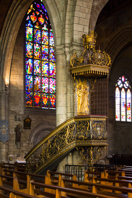 The interior of Notre Dame du Roncier, Josselin