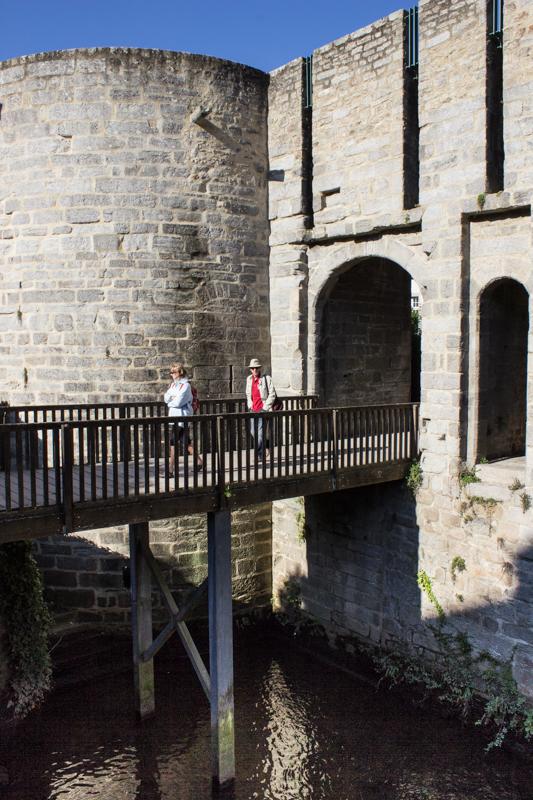 The Porte de Calmont, 14c-15C, Vannes