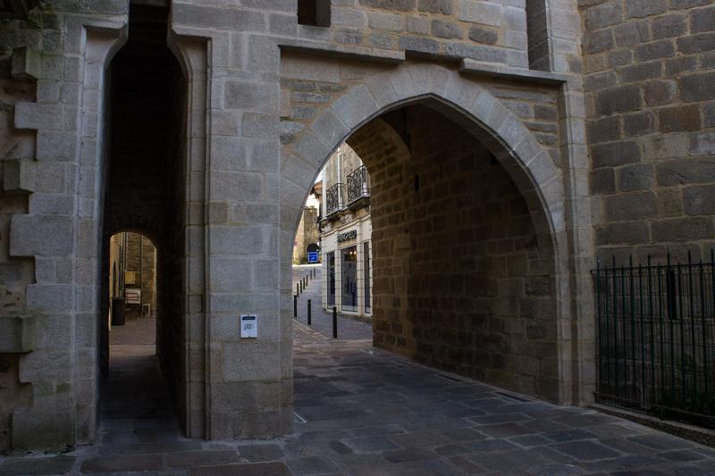 The Prison Gate, Vannes