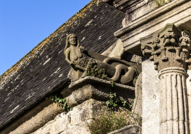 Figure on the Ossuary roof, Sizun Church