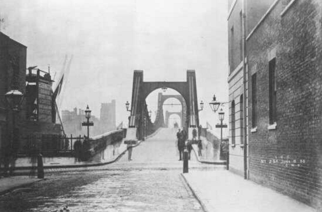 Lambeth Bridge c.1900 (http://www.vauxhallcivicsociety.org.uk/history/lambeth-bridge/)