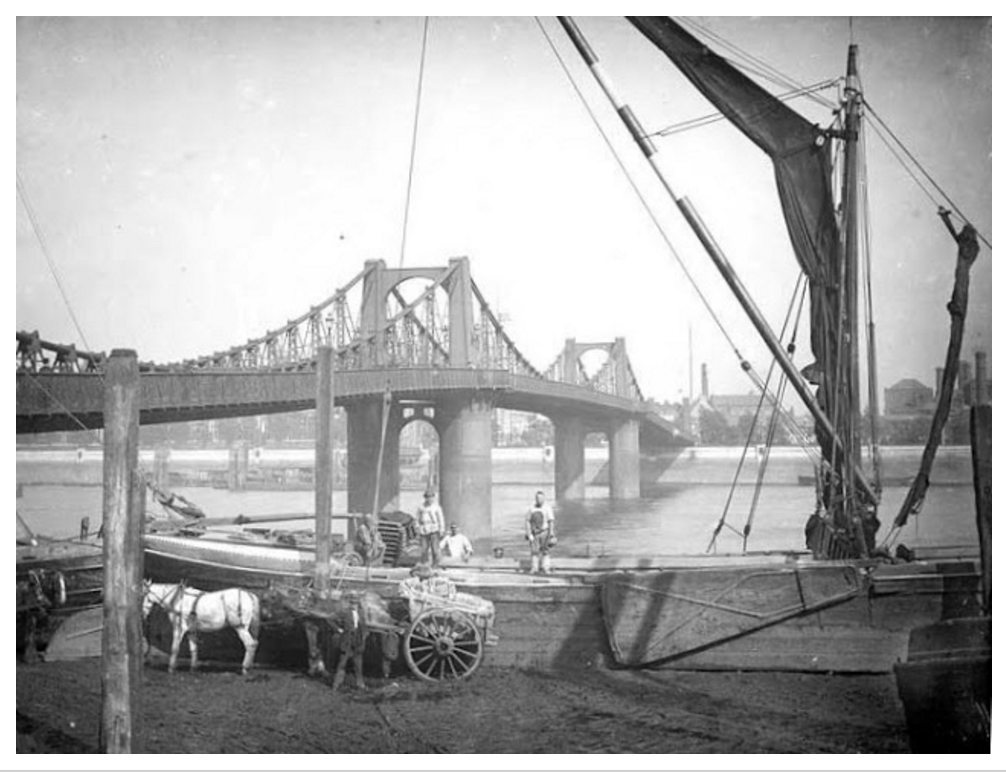 Lambeth Bridge no.1 (http://tradescant.blogspot.co.uk/2012/11/lambeth-bridge-is-150-years-old-today.html)