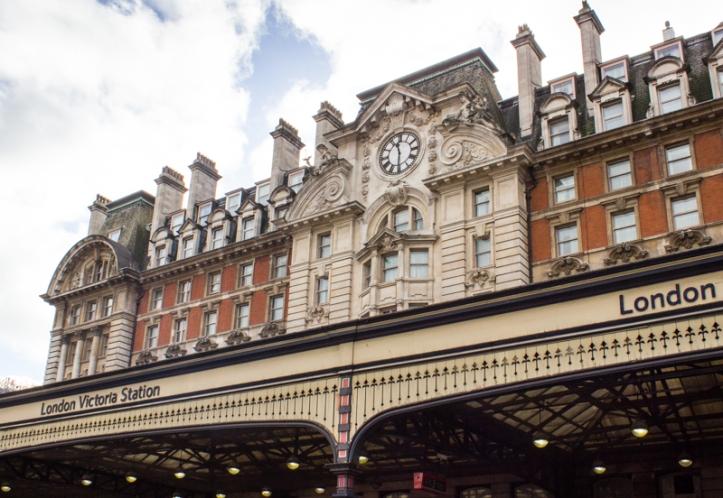 Victoria Station, the Brighton side
