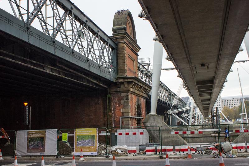 Brunel's Middlesex brick pier, Hawkshaw's iron railway bridge, & the Jubilee footbridge