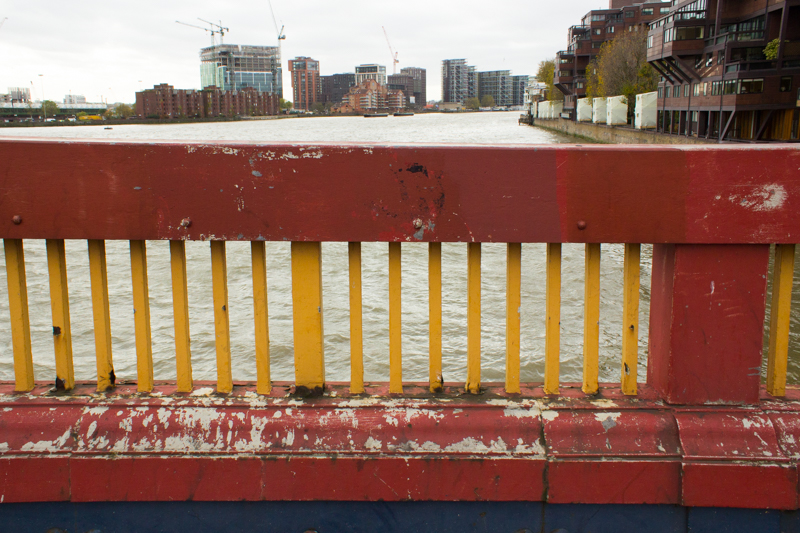 15-11-9 Vauxhall Bridge LR-7920
