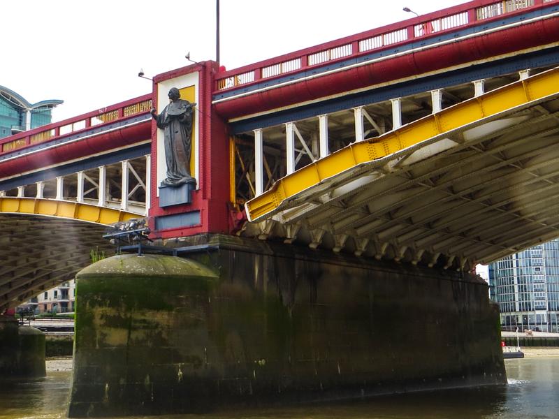 A Drury statue on the downstream side of Vauxhall Bridge