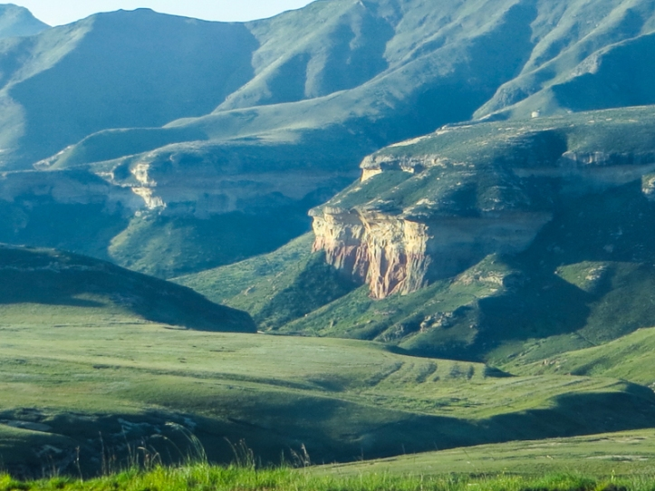 The Blesbok Loop Drive in the Golden Gate National Park