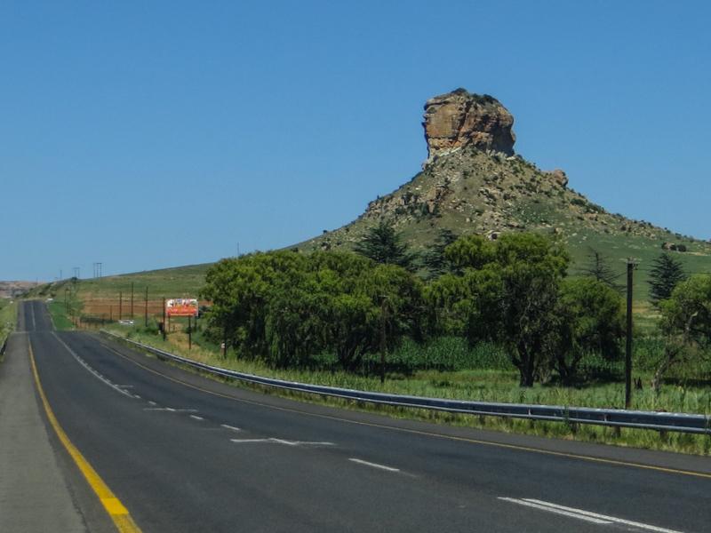 The road between Clarens & Fouriesburg