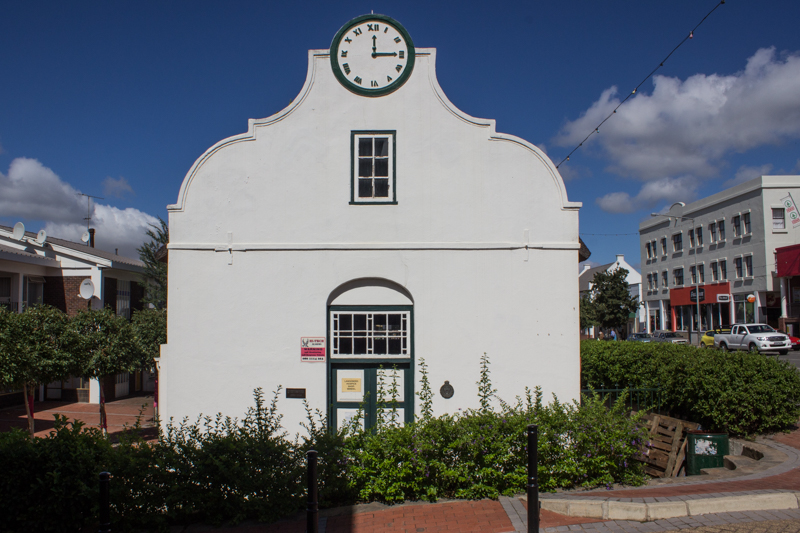 The Oefeningshuis (1838), Swellendam (http://www.artefacts.co.za/main/Buildings/bldgframes.php?bldgid=7499)