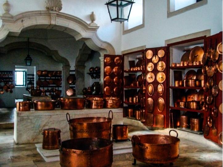 The Kitchen of the Ducal Palace, Vila Vicosa (http://fotos.sapo.pt/antoniolouro/fotos/?uid=AIauqjFNkmlwG3c6JnWR)