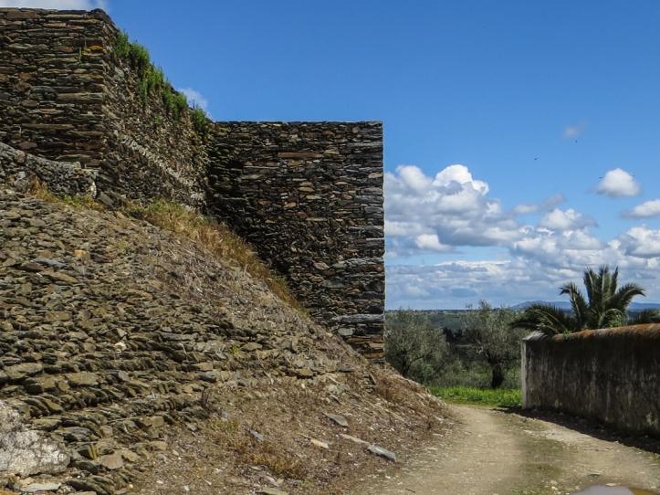 16-4-22 Walk at Montalvao LR-0794