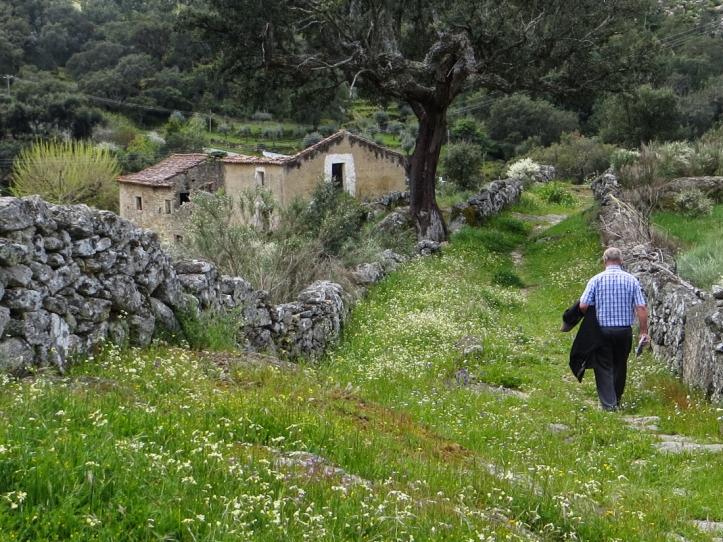 16-4-23 Walk at Galegos LR-0867
